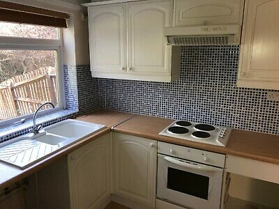 Full Kitchen Units For Sale Inc.  Oven, Hob, Cooker Hood And Sink