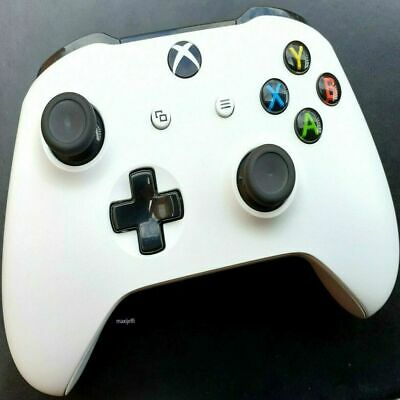 OFFICIAL Microsoft Xbox One S Wireless Controller with 3.5mm Jack (WHITE) Boxed