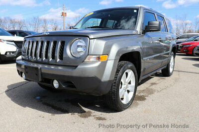 2014 Jeep Patriot 4WD 4dr Latitude 4WD 4dr Latitude SUV Automatic Gasoline 4 Cyl Mineral Gray Metallic Clearcoat
