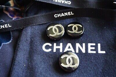 Chanel buttons lot of 3 size  0,8 inch 20 mm logo CC black & gold metal