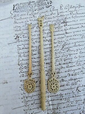 Antique Regency Era 1820s Hand Carved Bovine Lace/Sewing Bobbins ! Wow !