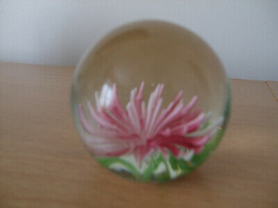Small paperweight with Pink/White flower in centre