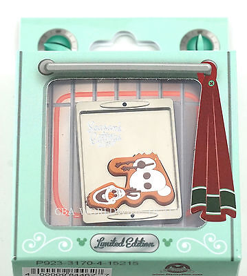 NEW Disney Parks Season's Eatings 2015 Frozen Olaf Gingerbread Cookie Pin LE