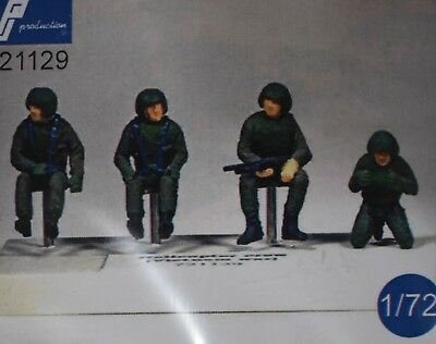 1/72 U.S. mid-Cold War Helicopter Crew PJ Production resin Huey