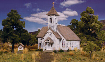 HO - COUNTRY CHURCH **Pre-Fab Bldg Kit** by Woodland Scenics #WOO-PF5191