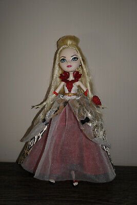 Ever After High doll Apple White Thronecomming Mattel
