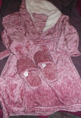 NEW Size medium/large pink soft fleece warm faux fur hooded dressing gown robe