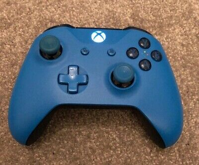 Official Microsoft Xbox One Wireless Controller Good Working Order SIGNED FOR