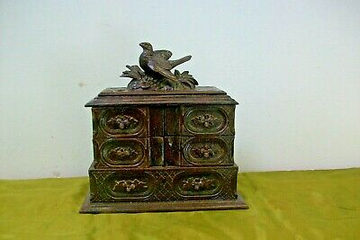 Vintage French Wooden Bird decoration jewellery box. carved 41o