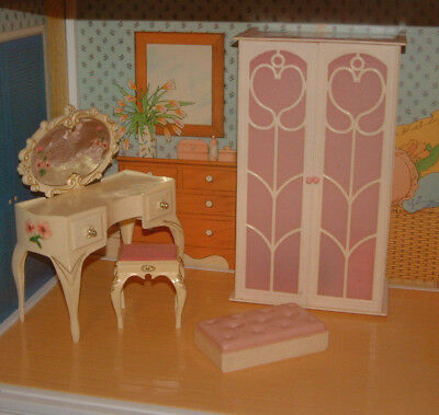 Vintage pink SINDY BEDROOM FURNITURE Dressing Table Stool Wardrobe Box (no doll)