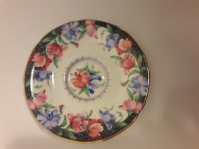 English Paragon Fine Bone China By Appointment Her Majesty the Queen Sweat Pea S