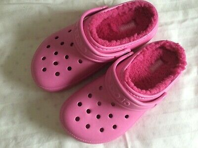 78895aeb0bd237 NWOT CROCS PINK with pink lining faux fur clogs Junior Size J2 ...