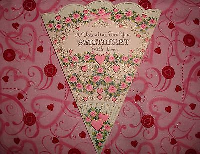VINTAGE 1950's-Embossed Fold-Out Valentine/UNUSED