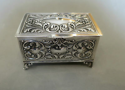 Beautiful Solid Silver Hinged Footed Trinket Box Hallmarked 154 Grams Not Scrap