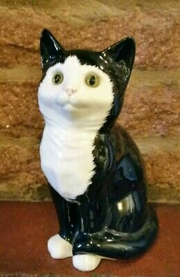 VINTAGE JUST CATS AND CO STAFFORDSHIRE BLACK AND WHITE KITTEN Pre owned