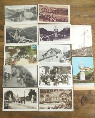 Lot 12 Carte postale ancienne LOURDES CPA animée ville monument place rue