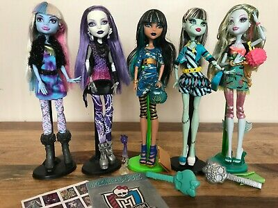 Monster High Dolls - Picture Day - Abbey, Spectra, Lagoona, Frankie & Cleo