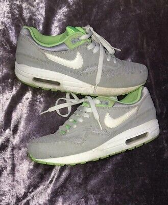 0f73d50e10 LADIES / OLDER Girls Nike Air Max Trainers Size 5 - £18.86 | PicClick UK