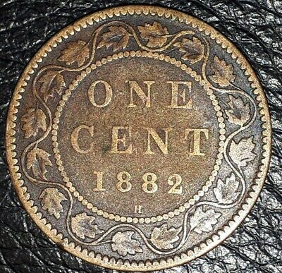 Double Chin !!! 1882 H - Canadian Penny - Canada One Cent - Circulated