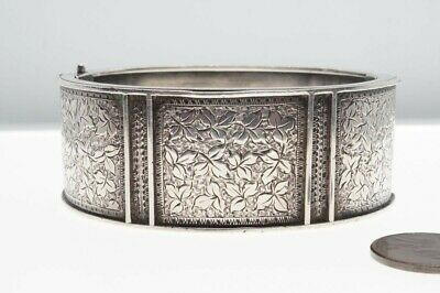 ANTIQUE VICTORIAN ENGLISH SILVER ENGRAVED IVY LEAF PATENT BANGLE c1890