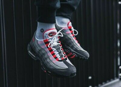 NEW NIKE AIR Max 95 OG White Solar Red Gray 10.5 AT2865 100