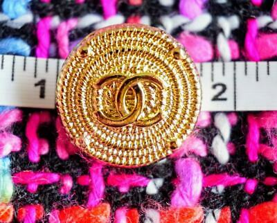 Chanel Button  LOGO  CC Gold   toned  20  mm brooch 0,8 inch Metal