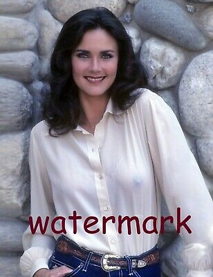 The lovely Lynda Carter in 1976. PUBLICITY PHOTO