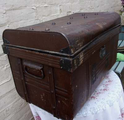 X Large Vintage Metal Trunk Chest Coffee Table Storage Toy Box Old WW2 ~24''/61c