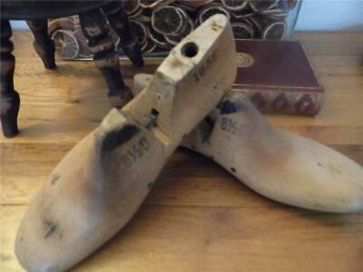Antique Vintage Pair Shabby Industrial Factory Chic Wood Shoe Lasts 3 Display