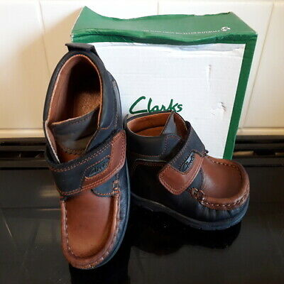 Clarks solar eclipse boots leather infant size 6 (22.5)