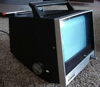 """Rare Vtg Sony Tv-720U Portable Tv 1972 7"""" Screen Ac/Dc Working - See Video In Ad"""