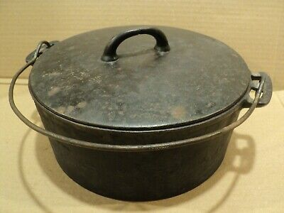 Vintage WAPAK #9 Cast Iron Dutch Oven Pot with Lid and Handle