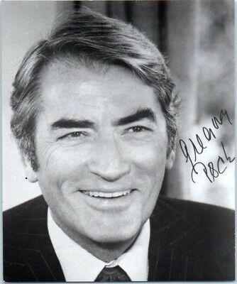 Autographed 5x4-1/8 Photo Gregory Peck Hollywood Legend Actor