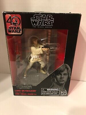 Star Wars The Black Series Titanium Series Luke Skywalker, 3.75-inch