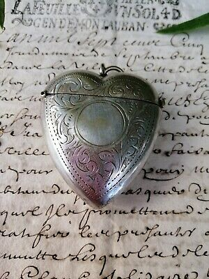 GORGEOUS ANTIQUE VICTORIAN 1890s SILVER PLATED PUFFY HEART VESTA PENDANT CASE!