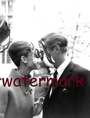 """Audrey Hepburn and George Peppard in """"Breakfast at Tiffanys"""" PUBLICITY PHOTO"""