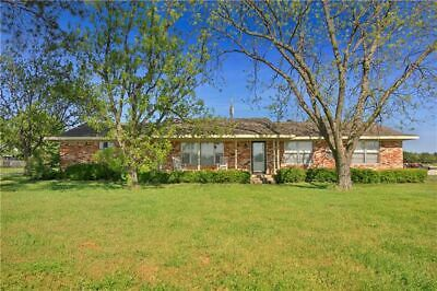 19.35 Acres with 3 Bedroom Farm House in Whitesboro, TX