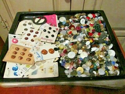 Vintage/Antique Buttons Many Types Colors & Sizes Large Lot