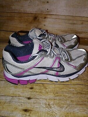 check out 45980 e41fe NIKE PEGASUS 28 Womens Running Shoes Size 10 White Red Pink ...