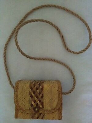 Small Straw Purse Made In Bahamas Rope Strap