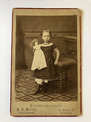 Cabinet Card Photo Pretty Little Girl With Doll Victorian Hamburg Germany