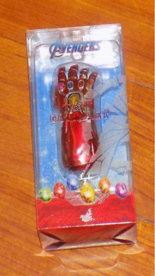 Hot Toys Avengers 4 Endgame Thanos Gloves Infinity Gauntlet Red Key Chain CA
