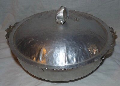 Mid Century Pressed Hammered Aluminum Floral Casserole Dish with Lid 2 Qt