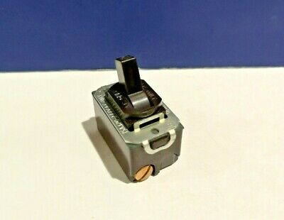 Harvey Hubble BROWN Single Gang DESPARD 3-Way Toggle Switch 1163 NEW WOW!