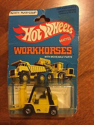 HOT WHEELS CAT Forklift Workhorses #1168 New in Package 1983
