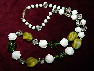 VINTAGE ART DECO GREEN SWIRL & WHITE ROPE KNOT GLASS NECKLACE ~ CZECH ~ 1930's