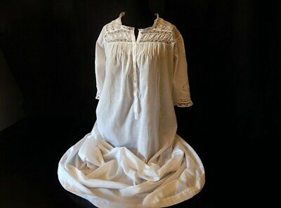 Exceptional Vintage French Handmade Nightgown in Very Fine Cotton with Lace