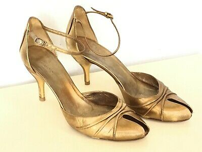 1000cee1b Gucci Womens Sz 37 / 7 Ankle Strap Metallic Gold Leather Heel Peep Toe Shoes