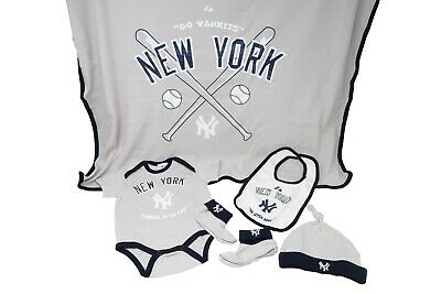 Majestic New Born Toddlers Infants Yankees 5 Piece Set Gray Blue New WITHOUT BOX