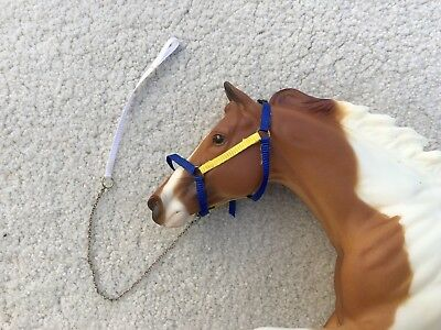 Nice Breyer Horse Traditional Accessory Yellow Blue Nylon Stable Halter Lead